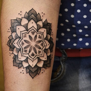 dotwork tattoo dubai